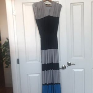 Limited v neck maxi dress. Small